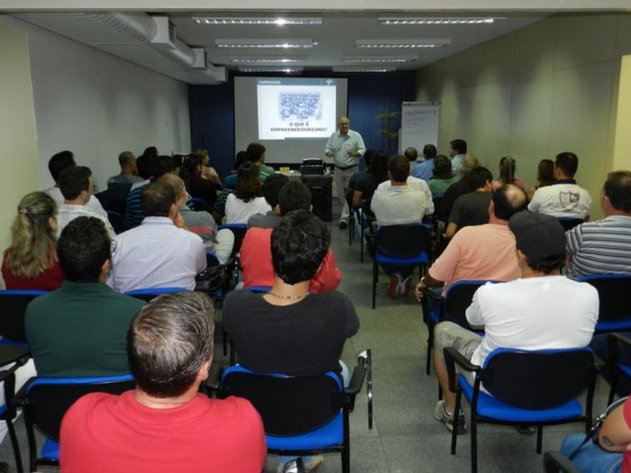 Sebrae promove ciclo de palestras em Petrolina, no Sertão de PE As palestras tem foco no atendimento ao cliente e o trabalho em equipe.