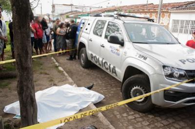 Mototaxista é assassinado a tiros durante assalto em Águas Belas, PE