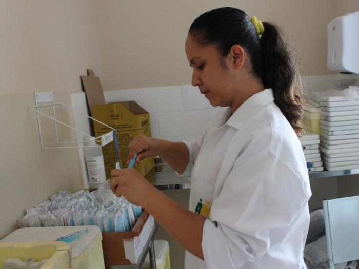 Salas de vacina das Unidades Básicas de Saúde de Petrolina estarão abertas no sábado (12) à comunidade A medida foi tomada para atender as pessoas que trabalham durante a semana. Por G1 Petrolina  11/01/2019 09h31  Atualizado há uma hora   Salas de vacina
