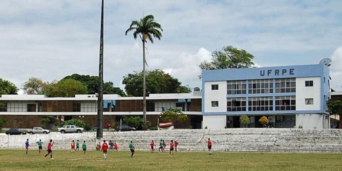 UFRPE promove feira de profissões para orientar alunos do Ensimo Médio Evento tem início nesta quarta-feira (18), no Campus de Dois Irmãos, na Zona Norte do Recife. Iniciativa segue até quinta-feira (19).