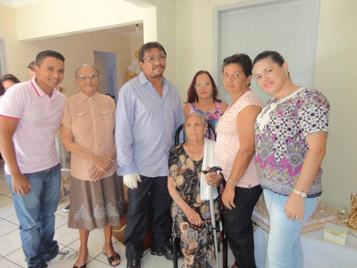Itaparica: Faleceu na tarde desta terça-feira (20) o Sr. Elizeu André de Souza 20 de junho de 201701606 Compartilhar no Facebook Tweet no Twitter