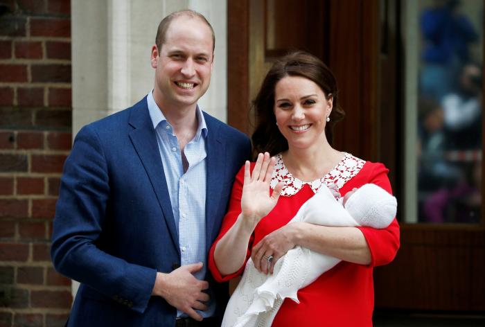 Kate Middleton deixou maternidade só 7 horas após o parto. Por que no Brasil é diferente?