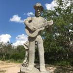 Parque das Esculturas é opção de ponto turístico para visita em Fazenda Nova