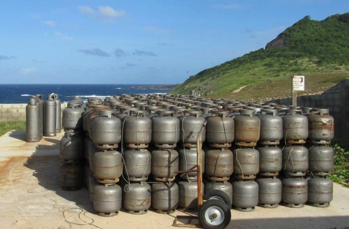 Escolta deve garantir o transporte de gás e combustível para Fernando de Noronha